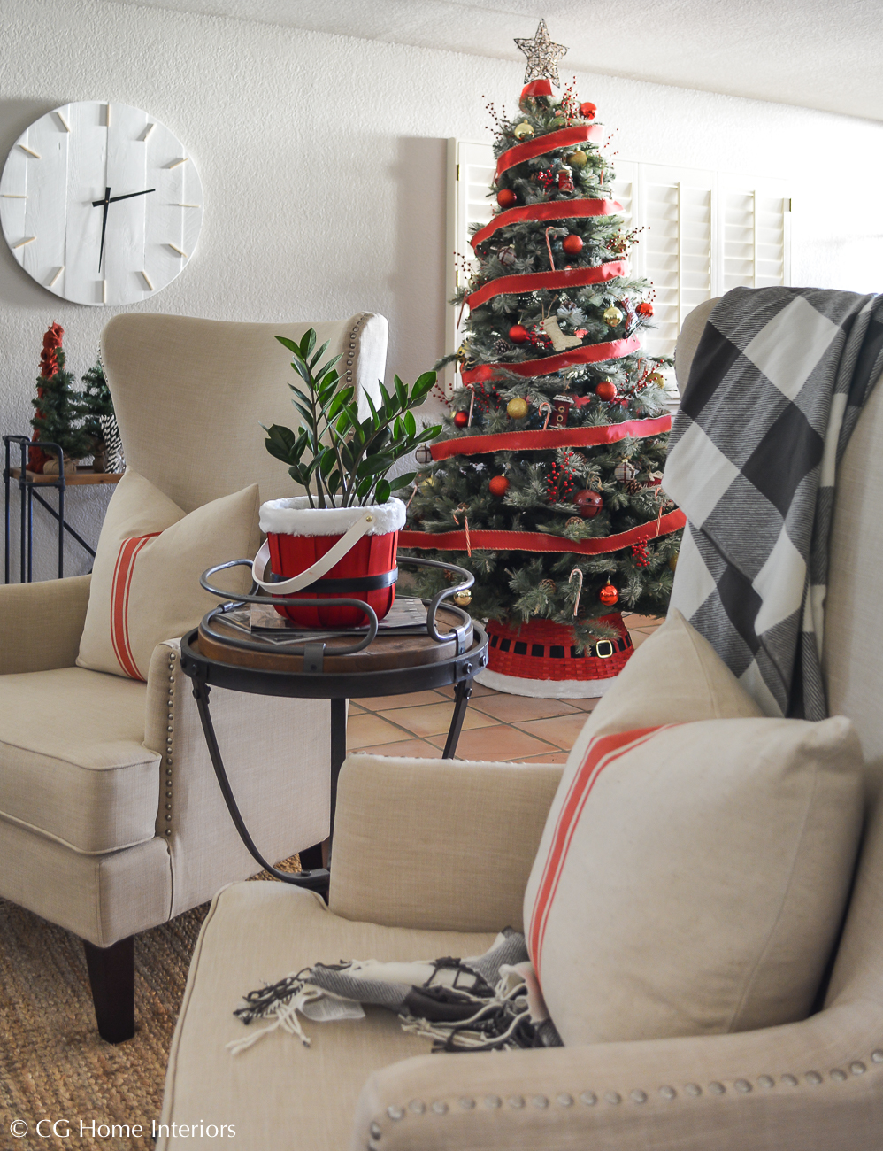 Simple Traditional Christmas Decorations