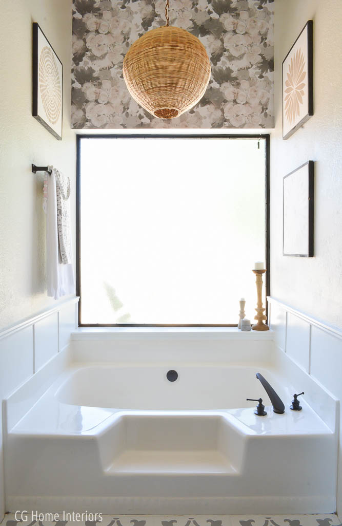 Builder grade bathtub makeover under $100