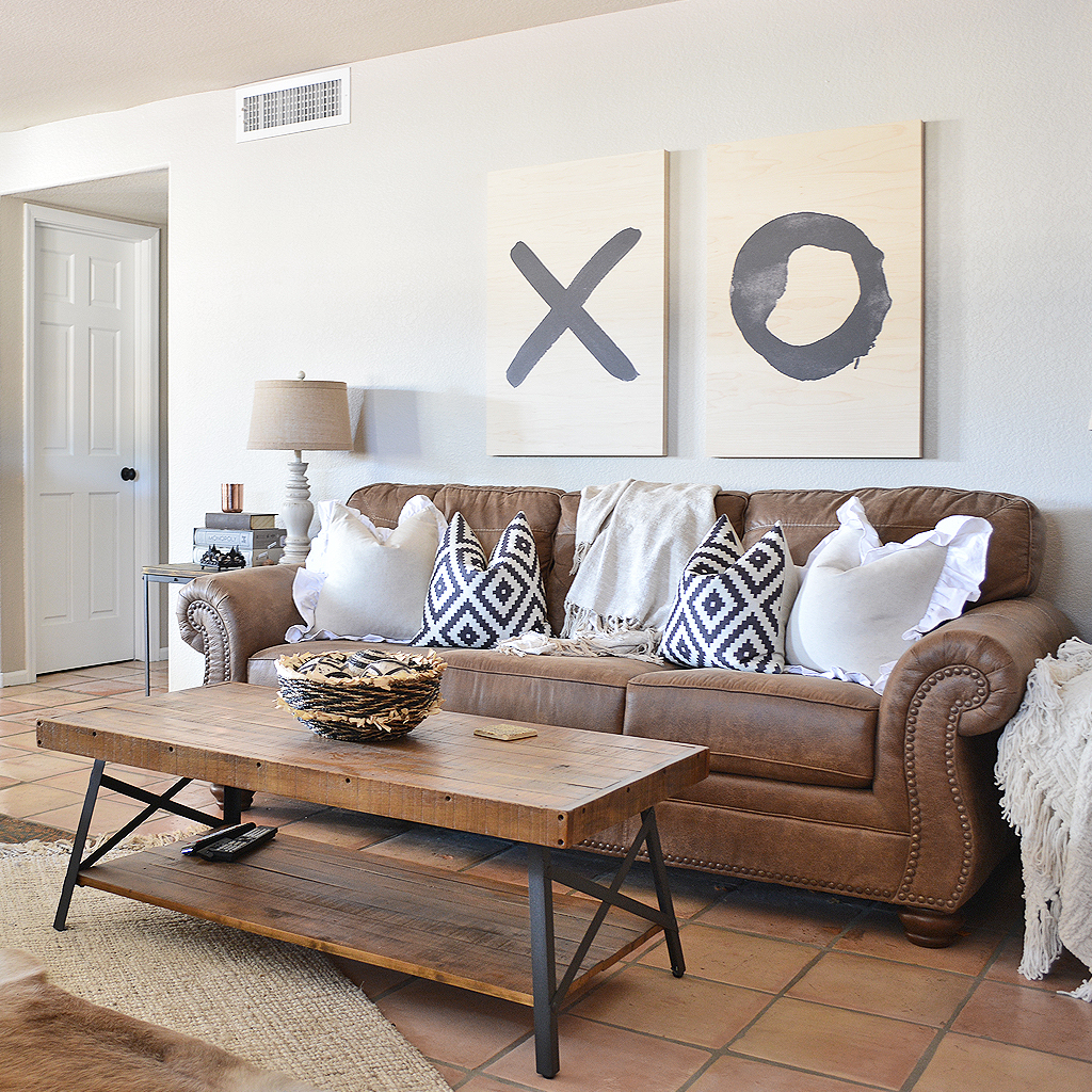 How to Hang Wall Decor at the Correct Height