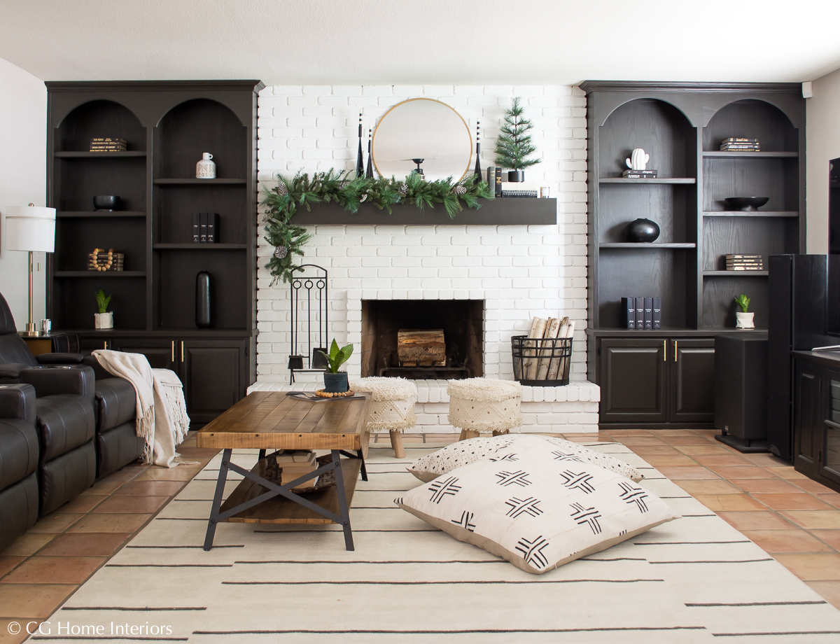 Holiday Home Blog Tour | Mohawk Home, Painted Built Ins, Family Room