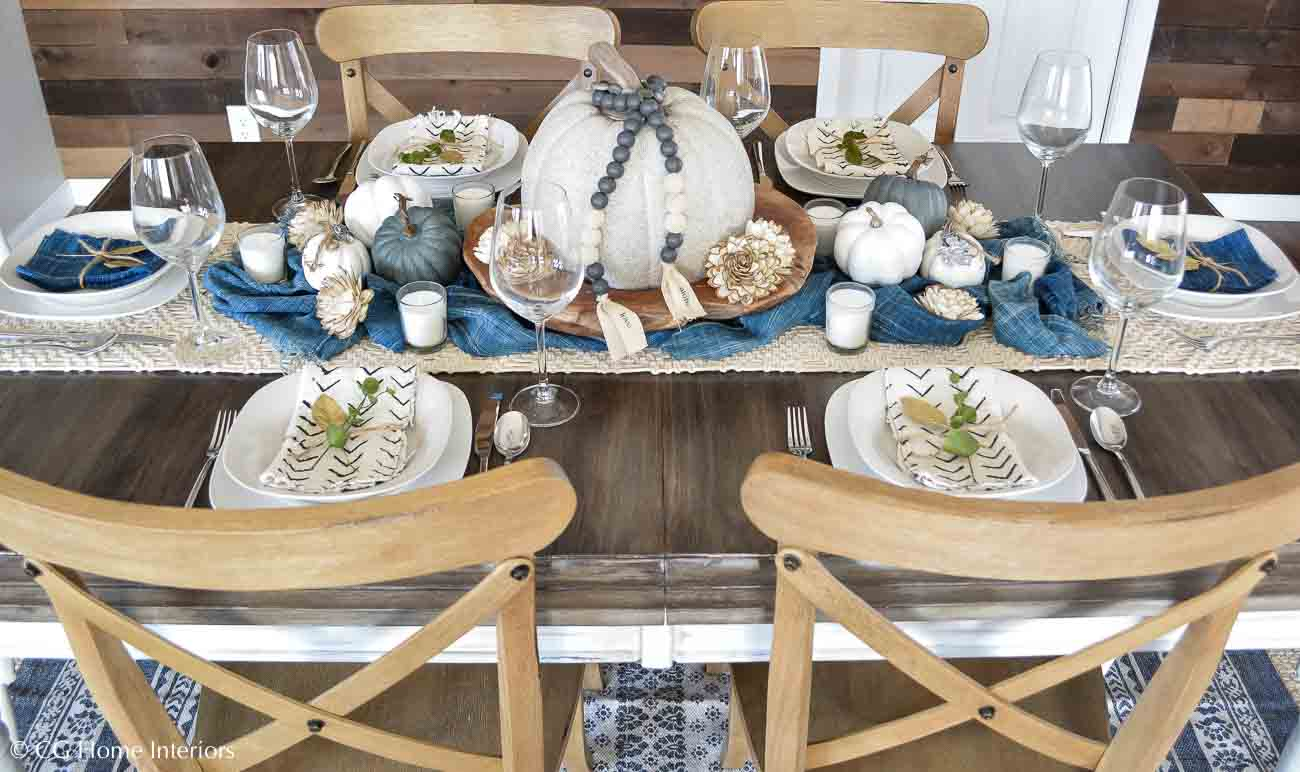 Simple Thanksgiving Tablescape Centerpiece